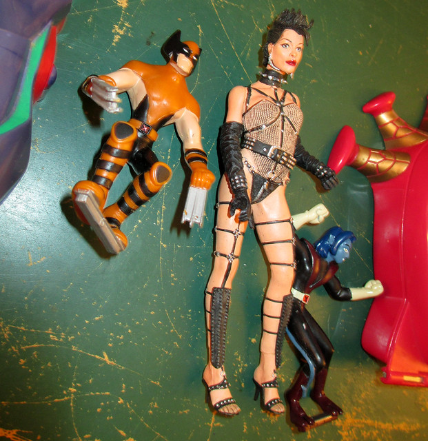 20170430 - after yardsale - 5020722-09 - toys and action figures