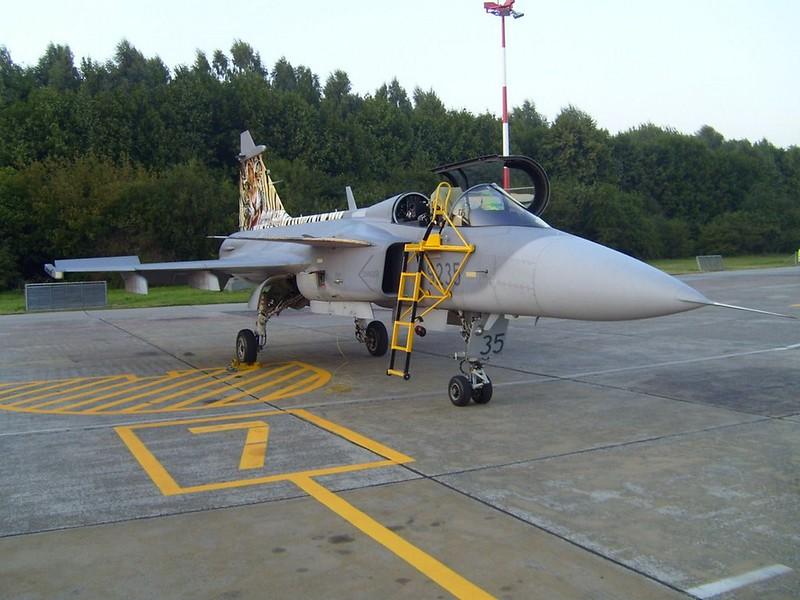 Saab JAS-39C flus 4