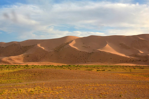 mongolia gobi desierto desert dunas dunes nubes clouds