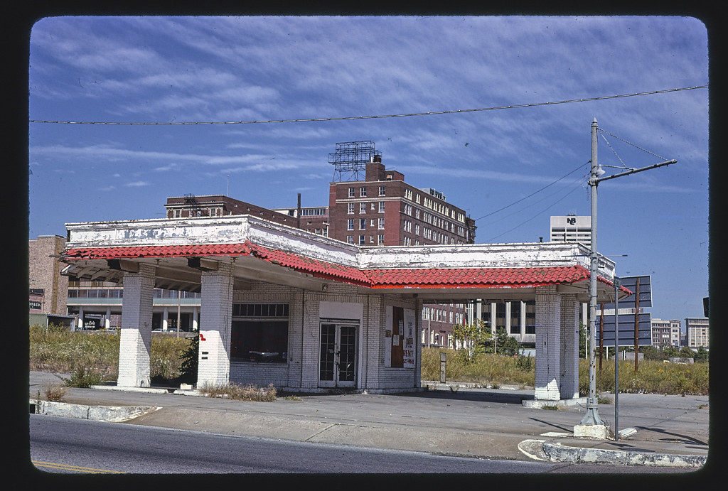 Old Gas Station 2nd Amp Vance Memphis Tennessee Loc