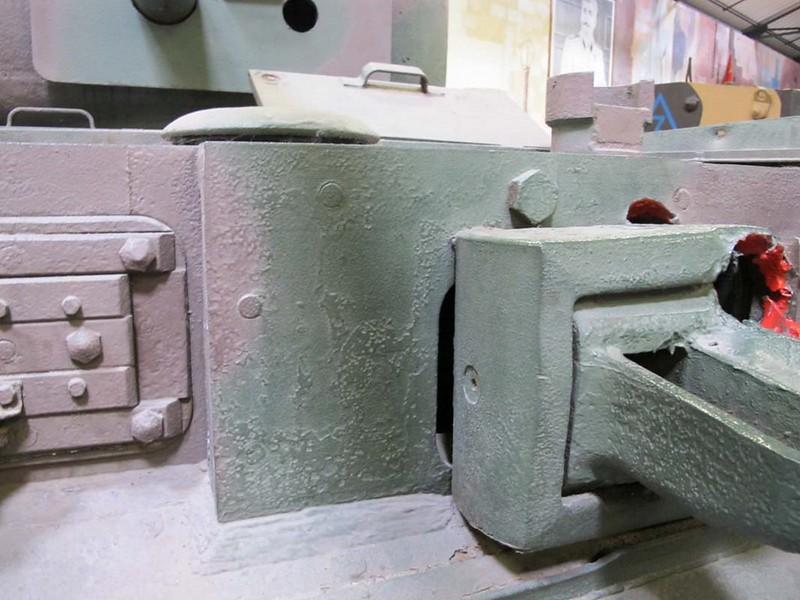 Churchill Mk VI 8