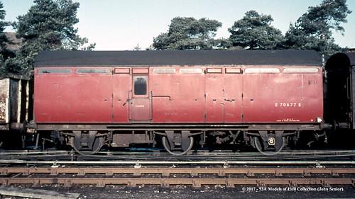 britishrailways thompson lner 6wheel bz passengerbrakevan e70677e passenger npcs andover hampshire train railway locomotive railroad