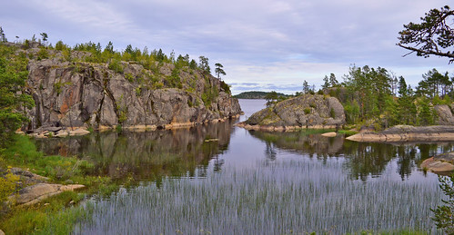 The Archipelago of Lake. View from one of the islands. Autumn.   by L.Lahtinen (nature photography)