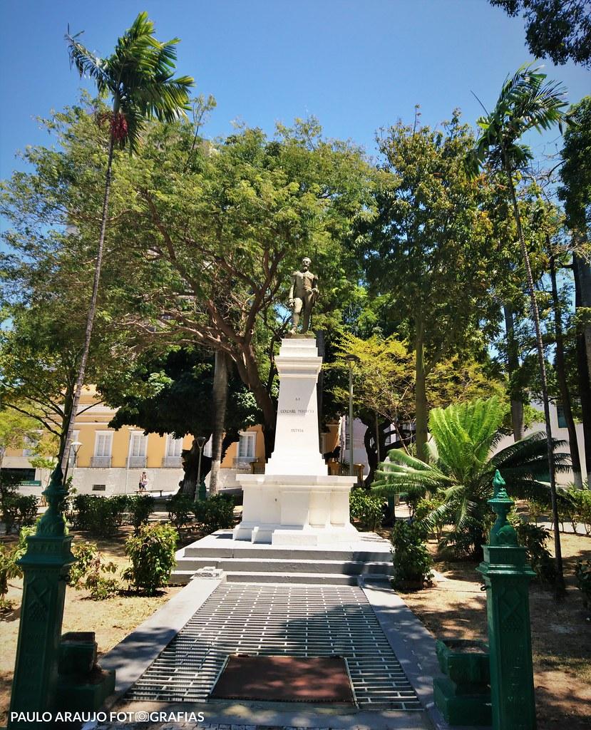 """Série """"EXPLORAÇÕES URBANAS"""" - Praça dos Leões"""