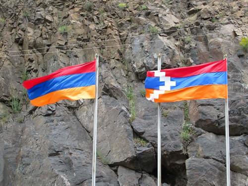 flags armenia nagornokarabakh