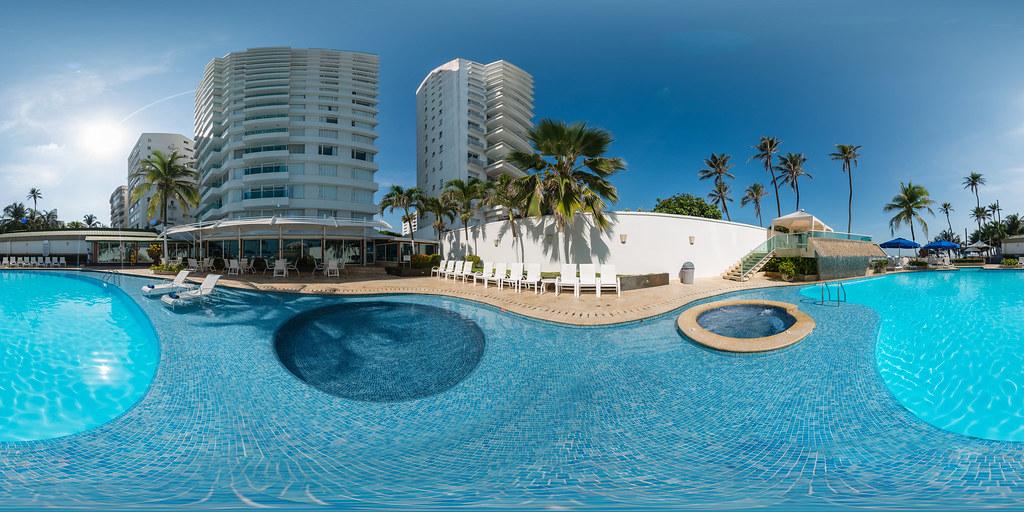 Piscina hotel dann cartagena colombia piscina en for Cerramiento para piscinas colombia