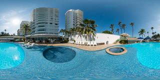 Piscina — Hotel Dann (Cartagena, Colombia)   by Hoteles Dann