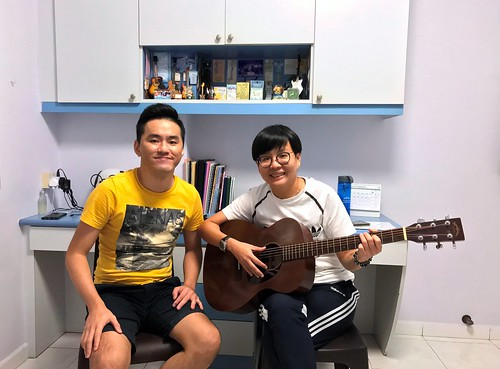 Private guitar lessons Singapore Mel
