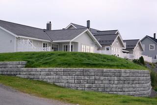 Redi-Rock_Cobblestone_Gravity_Residential_AasBetong_House_1.jpg