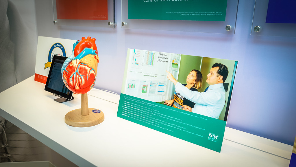 2017.10.06 New Permanente Medicine Displays, Kaiser Permanente Center for Total Health, Washington, DC USA 2