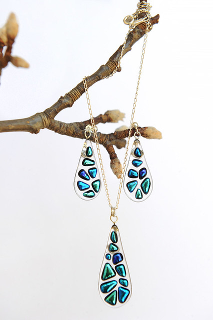 glass earrings and pendant set