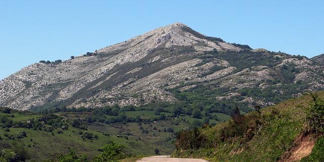 Pico Caldoveiro * Puertu de Marabiu