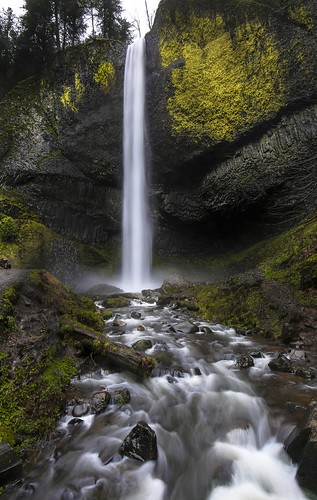 water waterfall columbia columbiarivergorge cold freezing river oregon canon slow