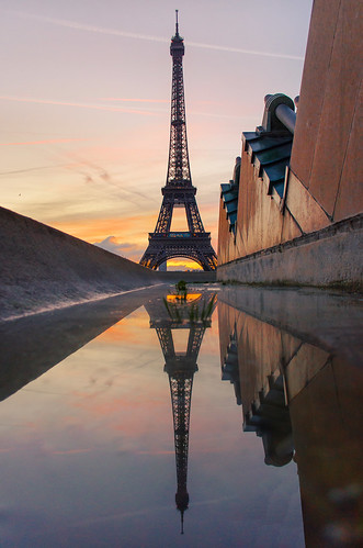 davitkhutsishvili dkhphoto paris france trocadero eiffel tower morning sunrise early nikon d5100 1855mm reflection sunshine angle perspective instagram 500px