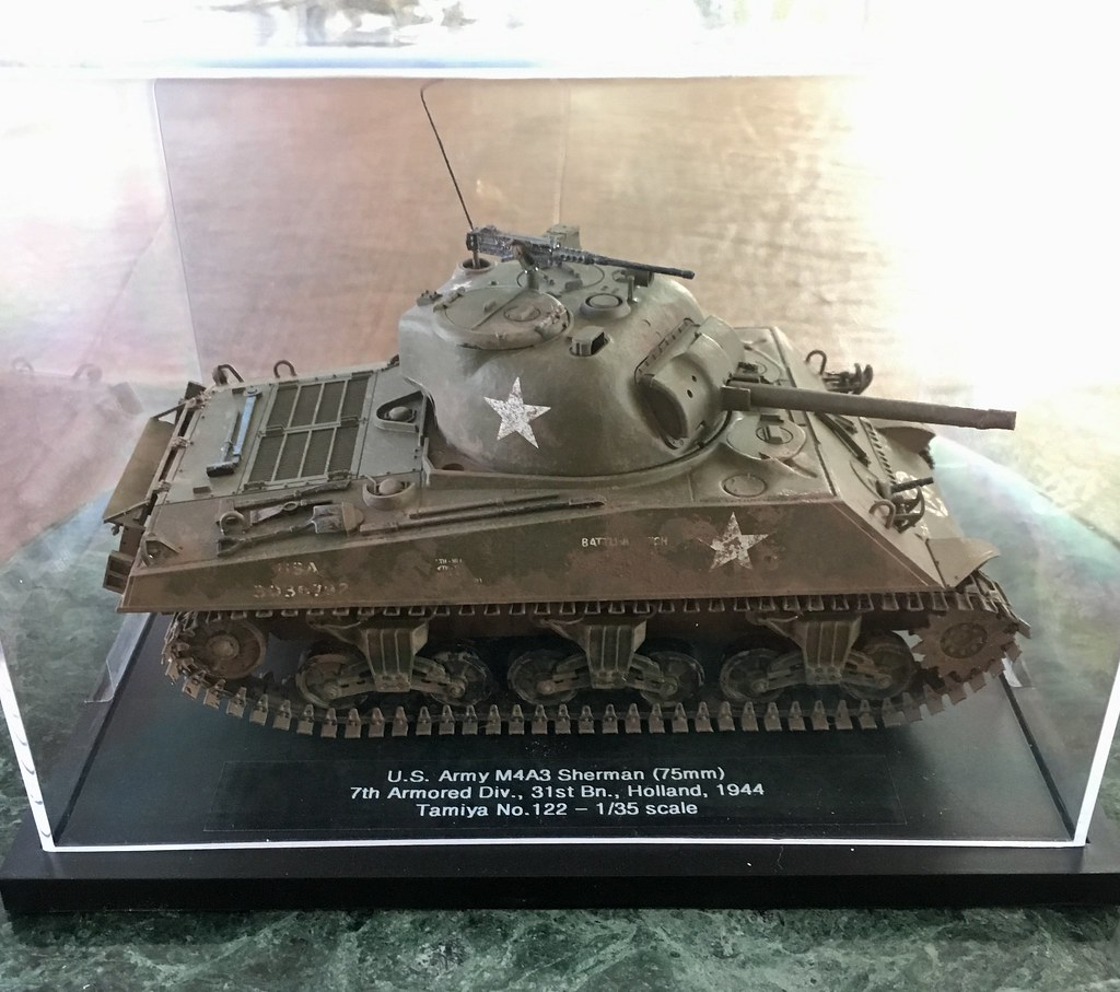 01-M4A3 U S  Army Sherman (Tamiya 1/35 #122) - Under glass