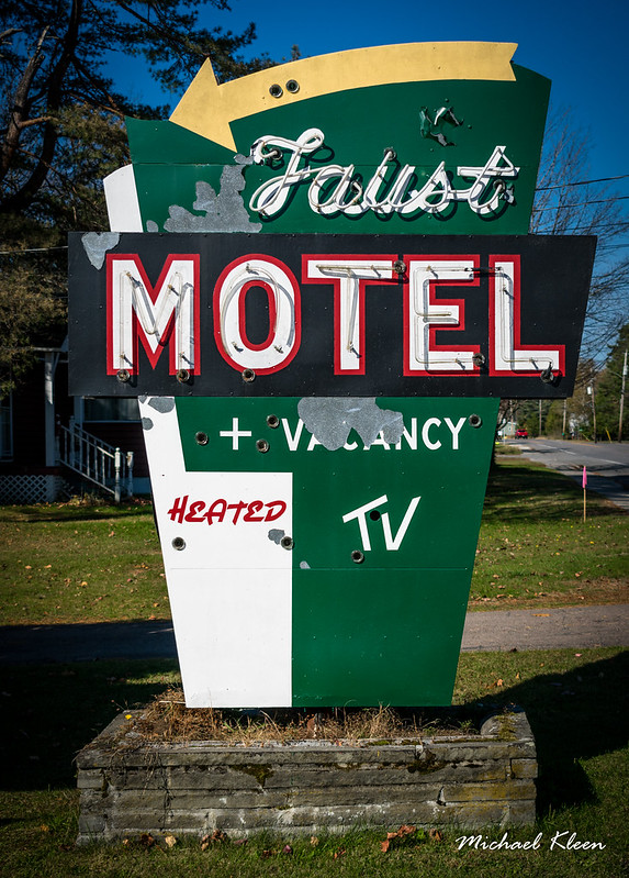 Faust Motel