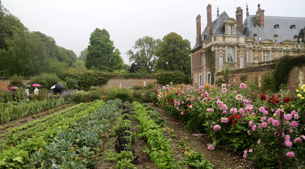chateau de miromesnil and its walled kitchen garden norma. Black Bedroom Furniture Sets. Home Design Ideas