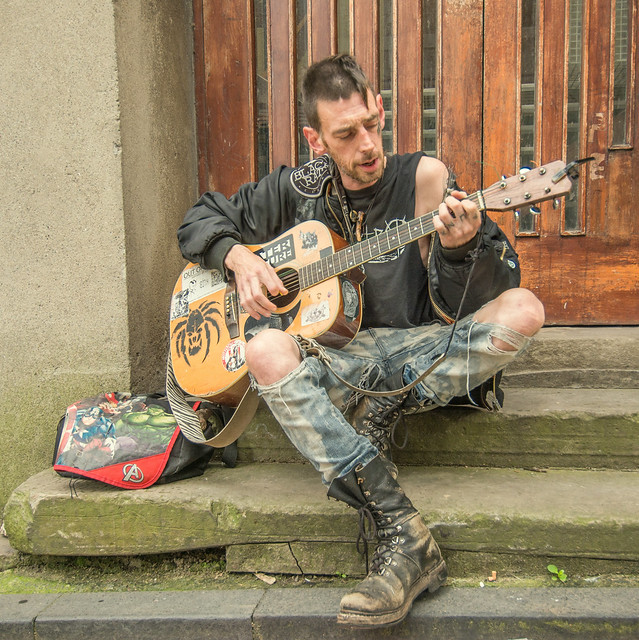Street Musician Quinny In Conwy ...