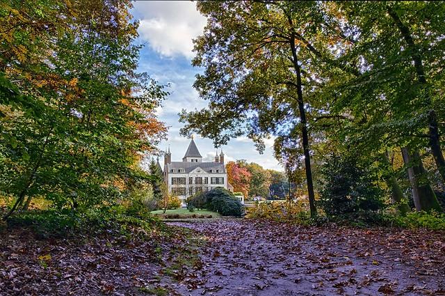 Renswoude castle in autumn