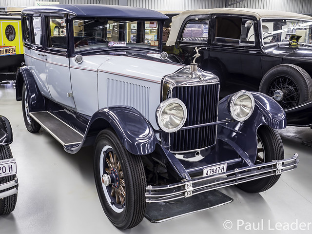1926 DIANA Light Straight 8 Sedan