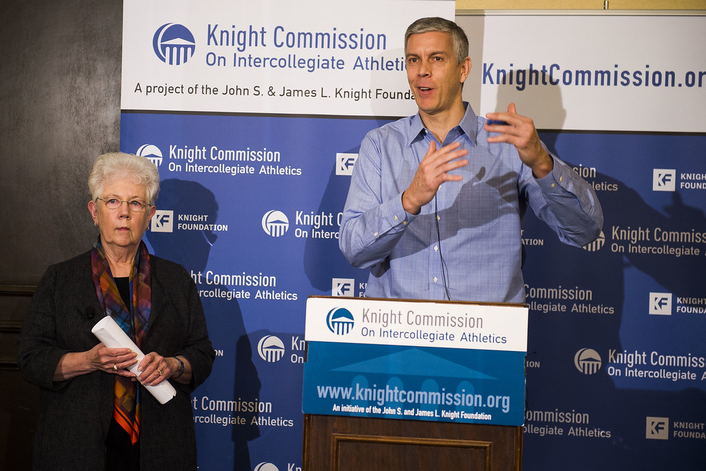 Knight Commission Sees Integrity of College Sports at Risk - Knight  Commission on Intercollegiate Athletics