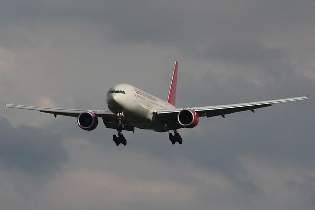 Boeing 777-2U8ER Omni Air International N846AX