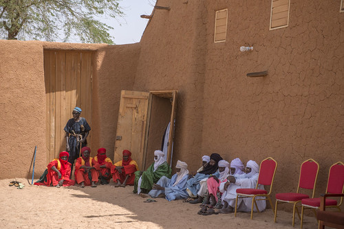niger sultans palace guards agadez