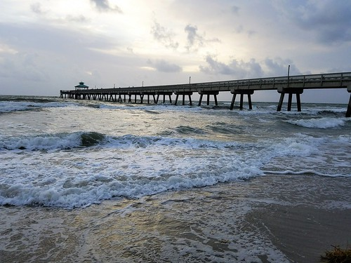 florida deerfieldbeach beach ocean pier sunrise internationalfishingpier sea usa