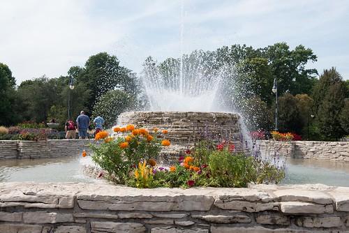 nikond610 afsnikkor2470mmf28ged oliverleverittphotography vanderveer botanical park garden davenport iowa flowers landscaping fountain