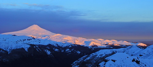 andes chile chilecentral regióndelaaraucanía volcán volcano volcanoe amanecer volcánvillarrica parquenacional parquenacionalvillarrica esquí ski sunrise skitour randonné