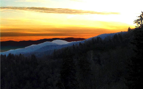 greatsmokymountainnationalpark newfound gap sunrise winter mountaintop