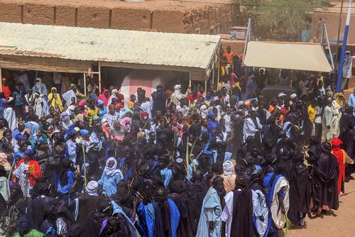 niger crowds sultans audience bianou festival agadez