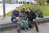Bertha Klingberg-Skulptur - Sie hat über Jahrzehnte in der Altstadt Schwerins Blumen verkauft