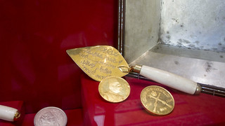 A Golden Trowel at Egypt's Royal Jewelry Museum | by Kodak Agfa