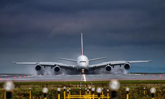 Emirates A380-861 A6-EEB