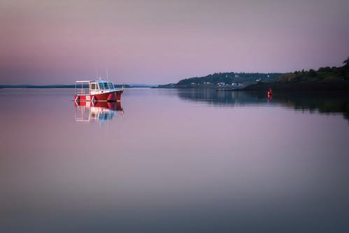 maine newengland coastalmaine coastalnewengland fishingvillage lobster roadtrip seascape sunset reflections calm serenity mood serene boat lubec unitedstates us