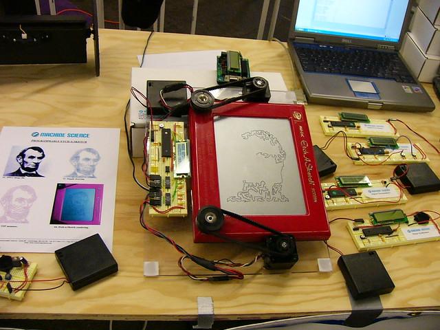 Etch A Sketch portrait machine