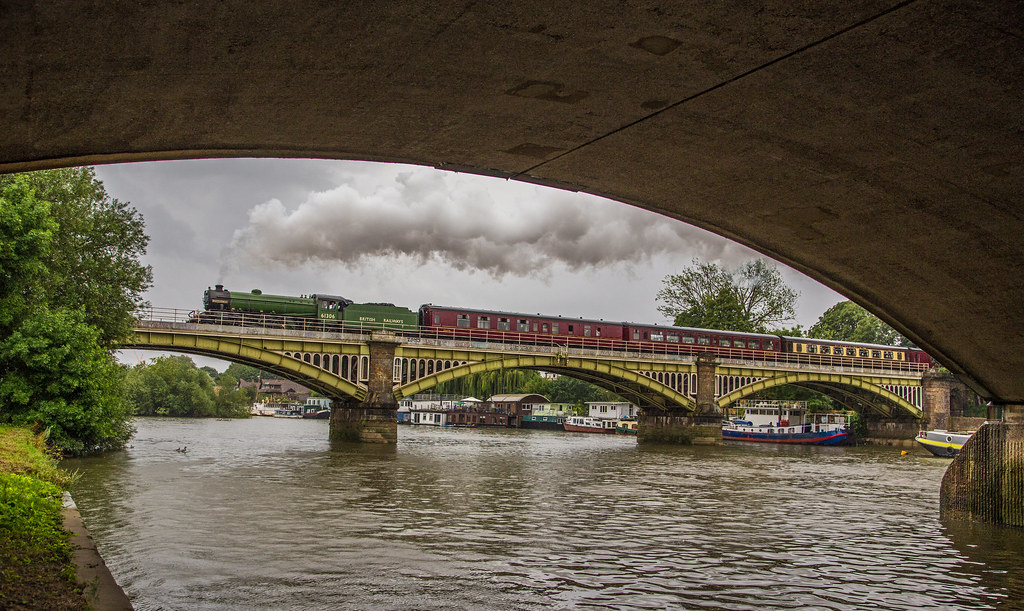 Richmond Railway Bridge Lner B1 Class 4 6 0 No 61306