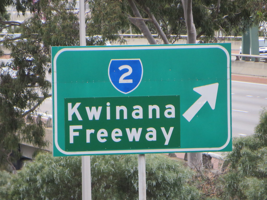 Old Freeway Signage, Central Perth | Old coverplated sign lo