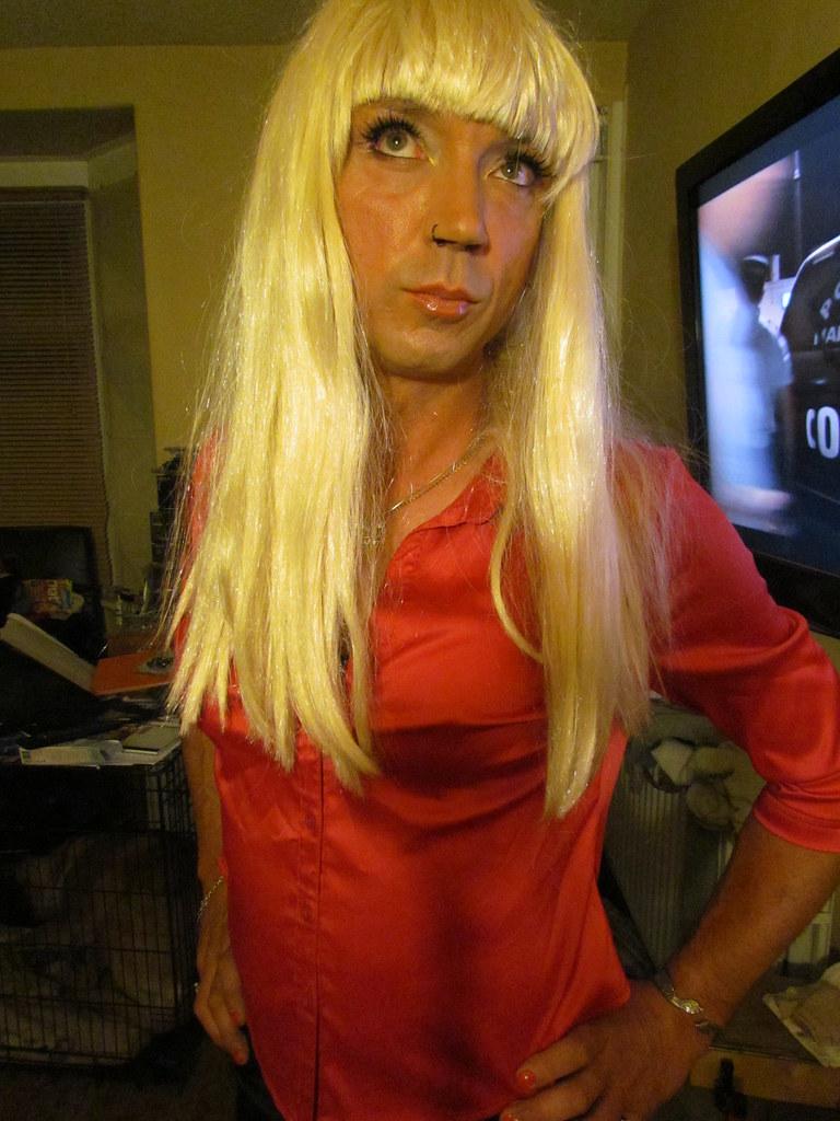 Free blonde tranny videos