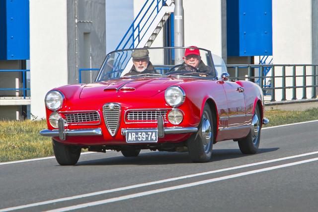 Alfa Romeo 2000 Spider Touring 1959 (3329)