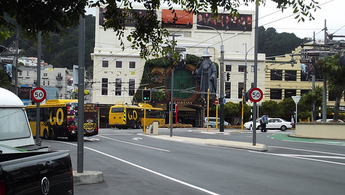 Wellington Trolley bus passing Embassy Theatre (2012)