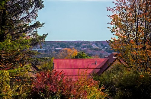 clichesaturday valley fingerlakes ithacatompkinscountry cayugalakevalley acrossthestreet roof trees sky roads