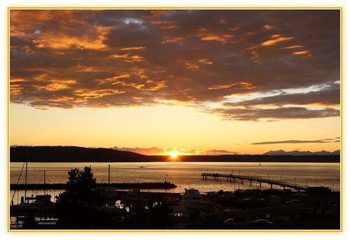 goldenhour sunset dusk twilight gold sun clouds settingsun hills water waterscene waterscape landscape nature dock desmoines washington marina canon picmonkey pugetsound