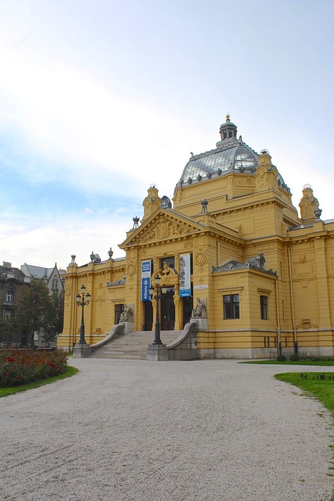 Umjetnicki Paviljon U Zagrebu Art Pavilion Of Zagreb Flickr