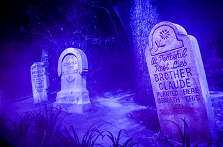 3 tombstones Haunted Mansion MK | by gamecrew7