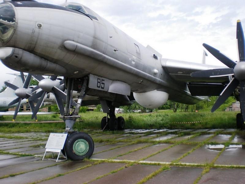 ツポレフ Tu-142M3 6