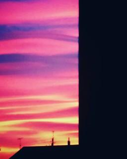 Tramonto milanese n. 2 #sunset #colorful #colors #sunset🌅 #sky #city #photography #photo #photooftheday #picoftheday #followme #milAmo #milano #igers #igersitalia #igersmilano #clouds #cloudporn #bestoftheday #blue #red #orange | by Mario De Carli