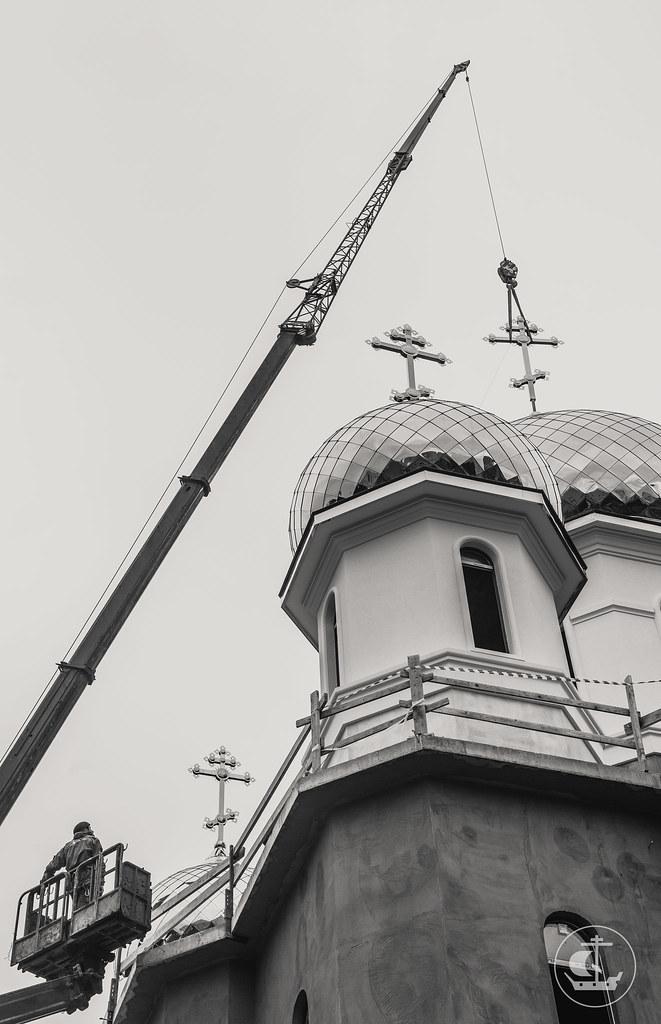 27 сентября 2017, Установка креста на главный купол строящегося храма в честь Воздвижения Креста Господня / 27 September 2017, Installation of the Cross on the main dome of the church of the Exaltation of the Holy Cross