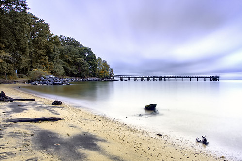 pinehurst pasadena maryland dawn nosunrise beach pier thwarted chesapeakebay water longexposure sleepy cloudy weather flotsam diagonal wideangel sunday october 2017 hightide sliderssunday hss blue outdoors nature green trees landscape sand